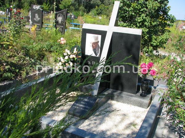 Проект памятника на могилу Лампадка из лезниковского гранита Лодейное Поле